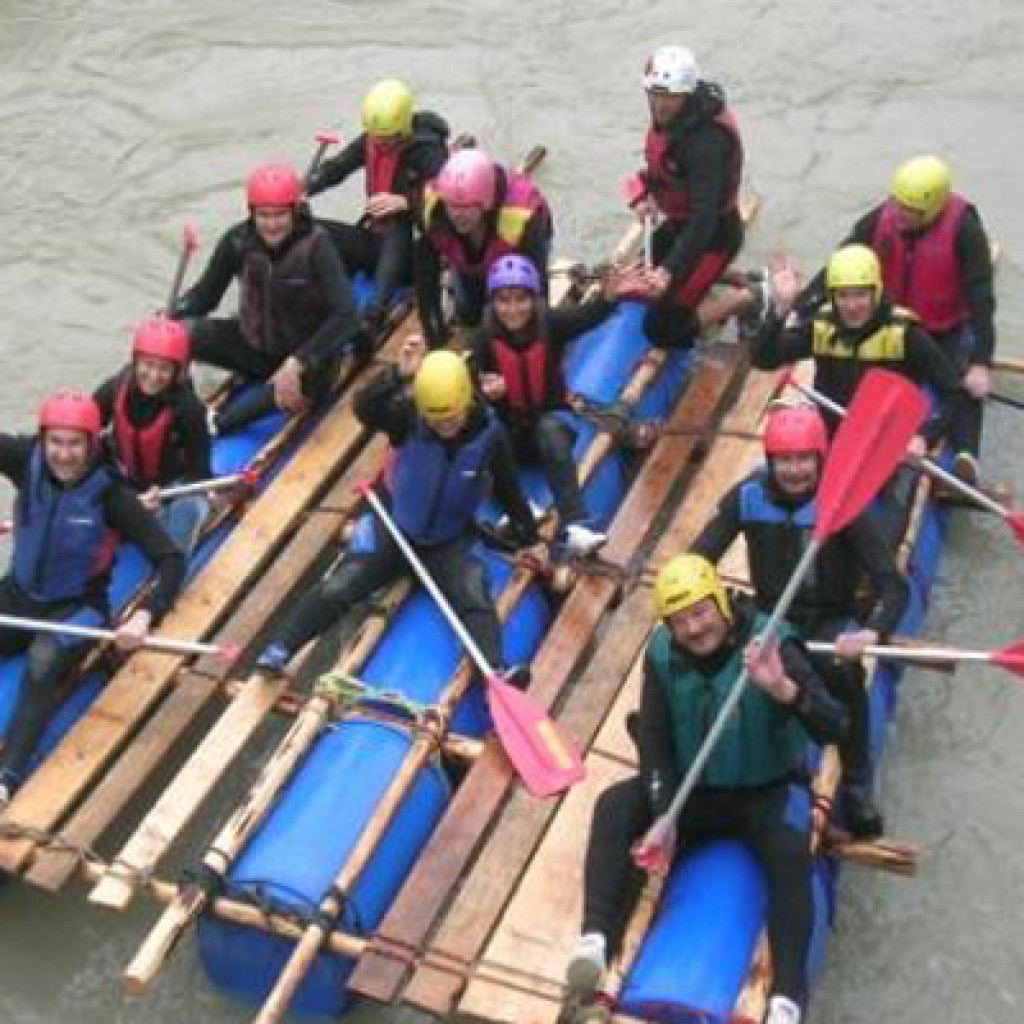 Raft building and team building days